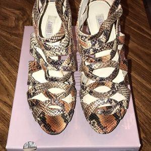 Jennifer Lopez snakeskin heels